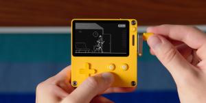Playdate: Máy game kỳ lạ với cần quay tay, cấu hình lỗi thời bán hơn 20.000 chiếc chỉ trong 20 phút