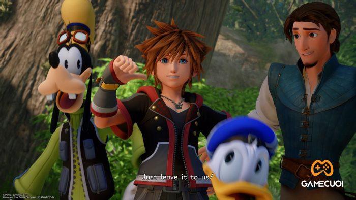 """Trước khi cuộc phiêu lưu của Sora bắt đầu, đã từng có một cuộc chiến tranh lớn đã xảy ra ở một nơi nằm giữa các thế giới bên trong vũ trụ Kingdom Hearts, nơi có các """"Chaser"""""""
