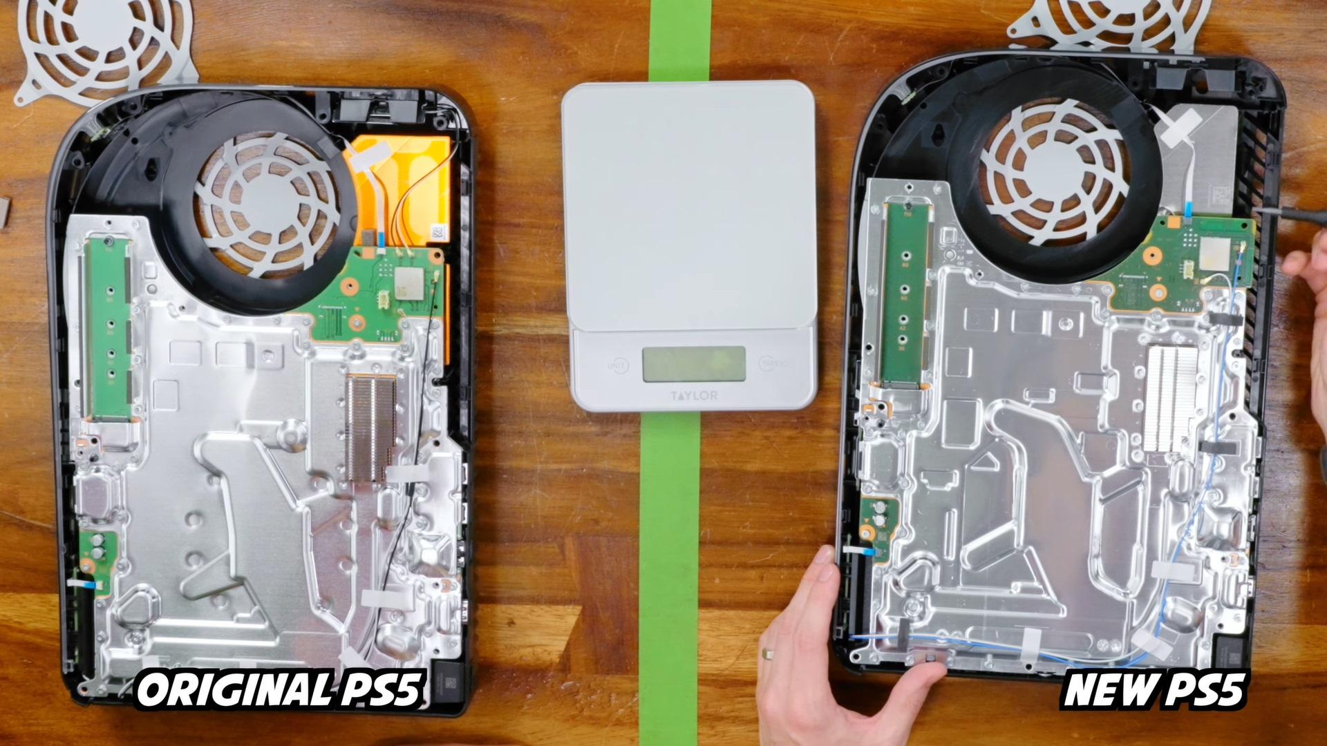 """Khám phá """"nội thất"""" mẫu PS5 mới: Nhẹ hơn nhờ tản nhiệt nhỏ hơn"""